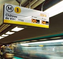 Panneaux d'information de quai