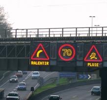 Panneaux lumineux de police dynamiques et renforcés